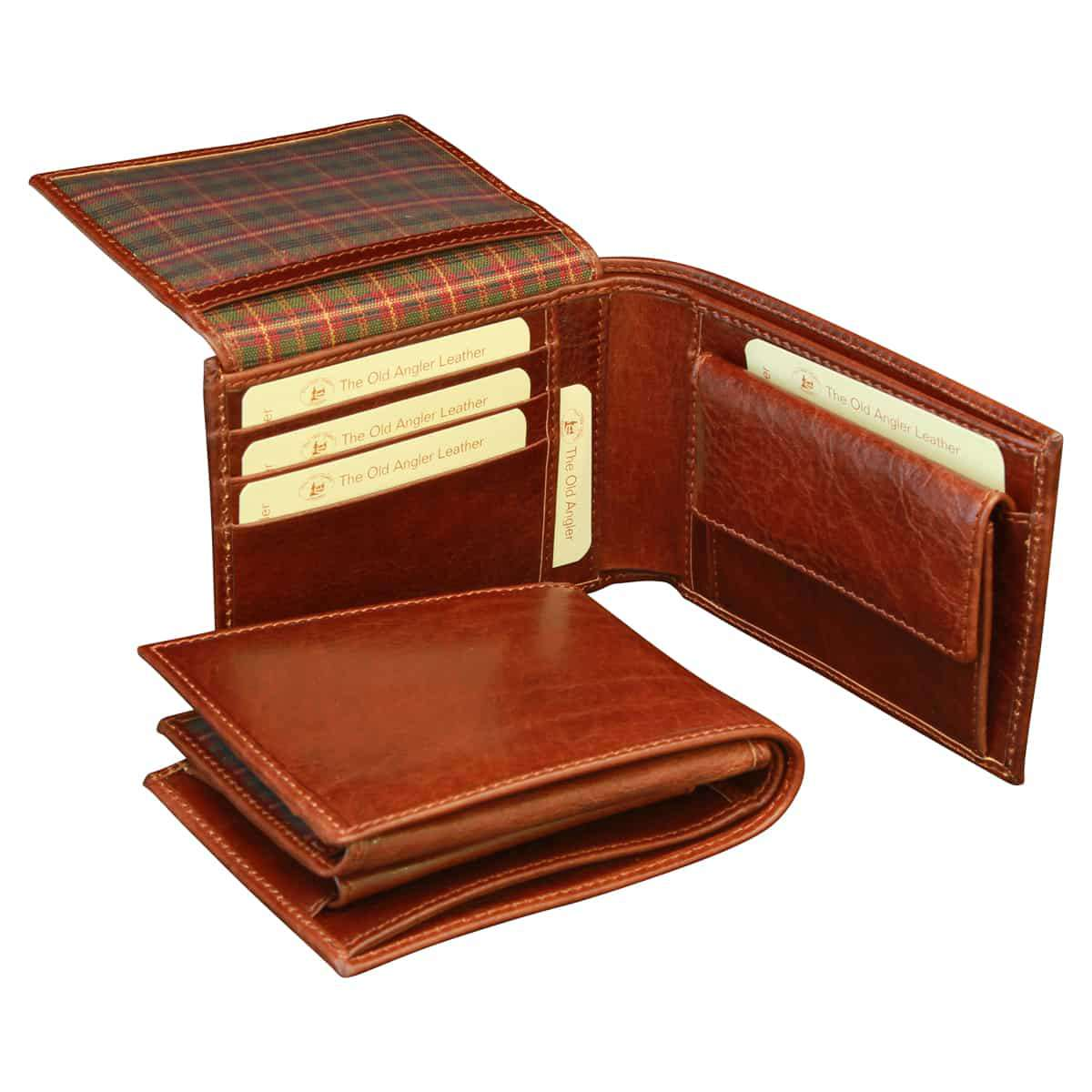 Leather Bifold wallet with coin pocket - Brown | 801105MA E | Old Angler Firenze